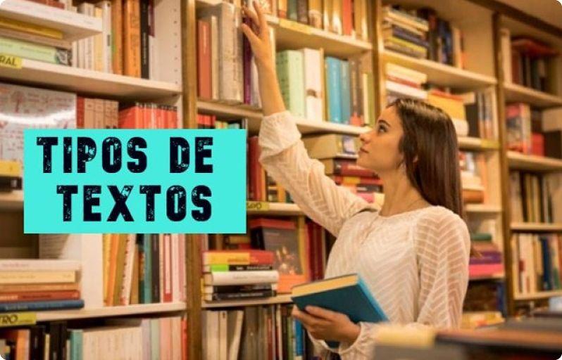 Tipos de textos, chica buscando libros en una biblioteca